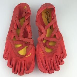 Vibram Red Five Fingers Outdoor Shoes Size 40